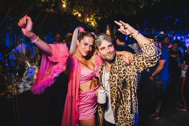 Aniversário de Gio Ewbank e Léo Fuchs reúne famosos em festa do pijama
