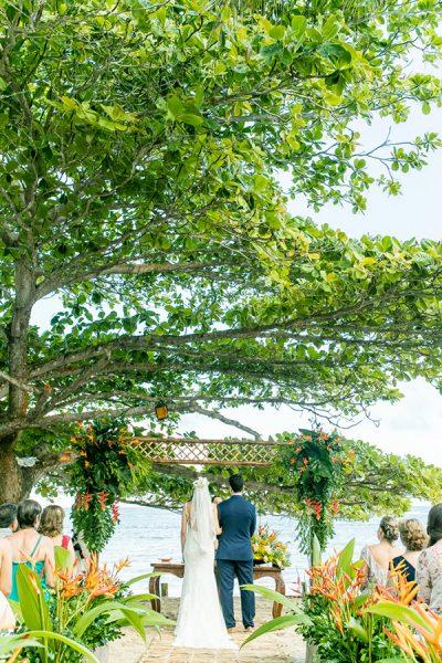 Casamento na praia: Ana Elisa + Thiago