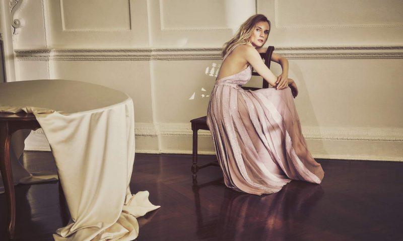 Outubro rosa: 15 vestidos em tons de rosa para madrinhas