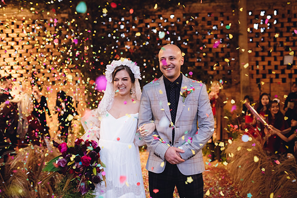 Casamento colorido: Amanda + Igor