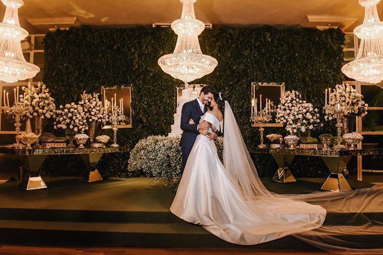 Casamento Clássico e Clean no Villa Rizza: Luiza + Arnaldo