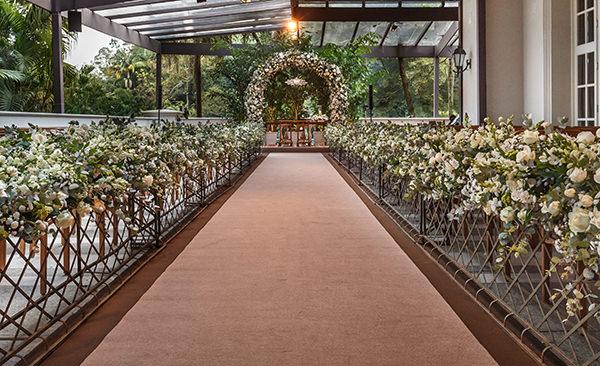 Decoração de casamento contemporânea em hotel