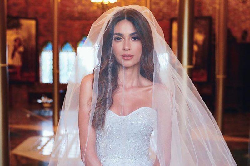 Os detalhes do Vestido de noiva de Thaila Ayala e suas Madrinhas