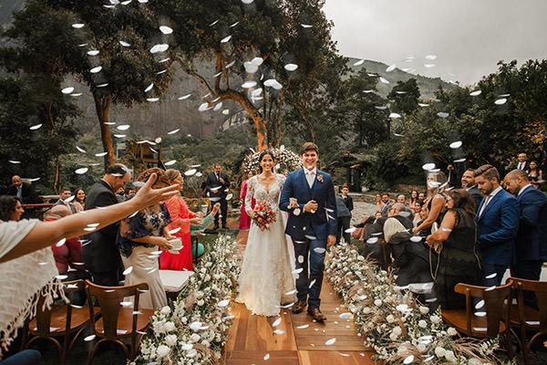 Casamento com decoração super romântica: Beatriz + João Fernando