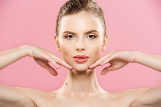 Conheça os tratamentos possíveis com ácido hialurônico para harmonização facial