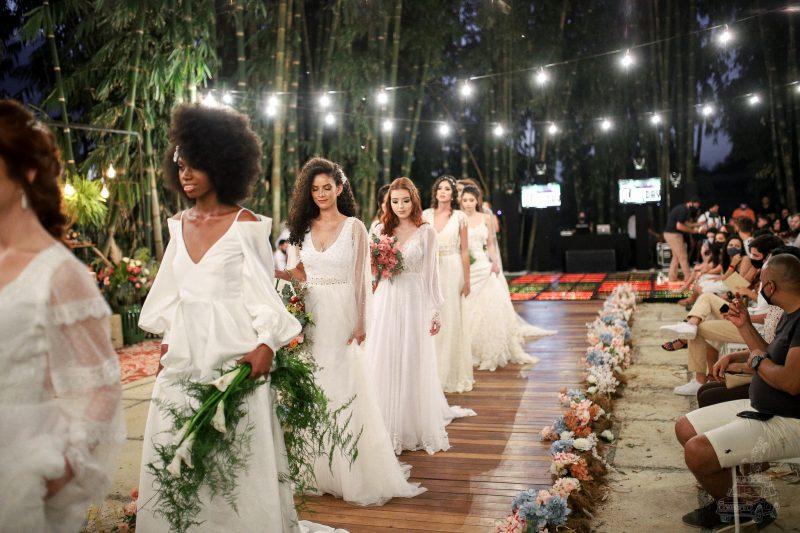 Rosilda Naiva desfila nova coleção de noivas no Villa das Palmeiras