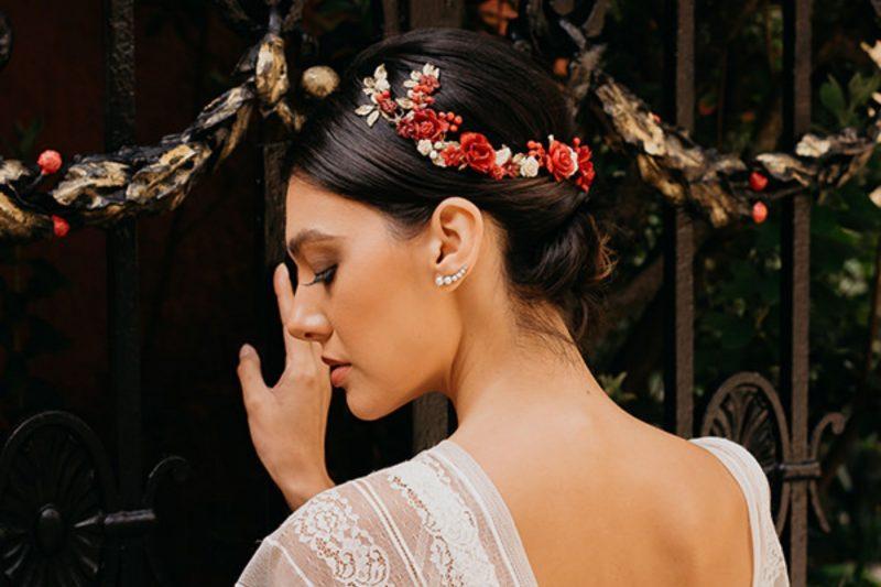 Acessórios de cabelo com flores