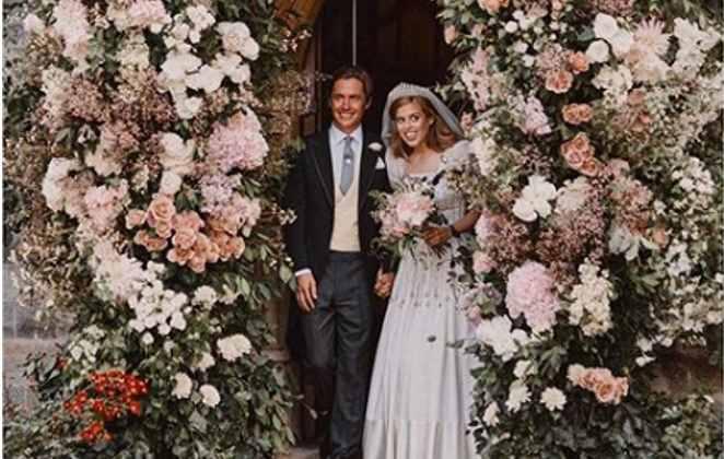 Princesa Beatrice se casou com Edoardo Mozzi na Capela Real de Windsor